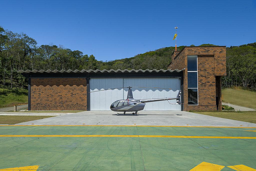 PJV - Hangar